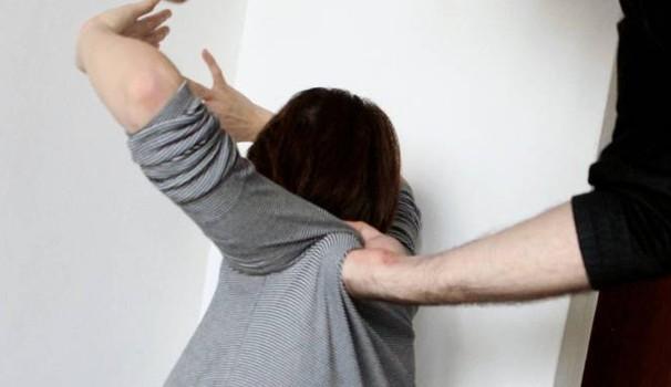 Lentini, aggredisce una donna: denunciato per lesioni