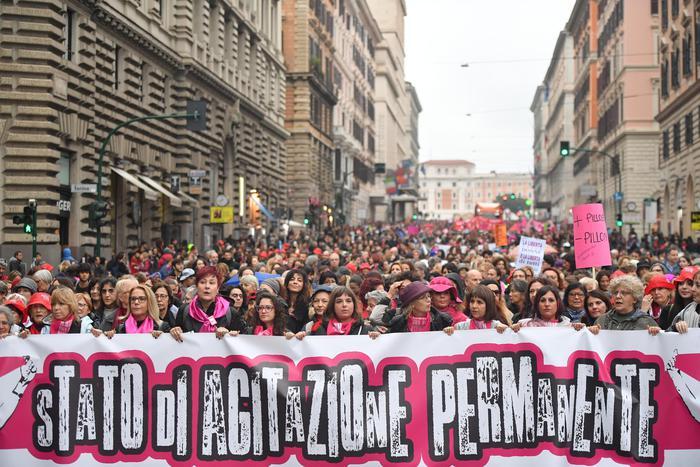 Domani le donne tornano in piazza contro le violenze, la maggior parte sono italiane