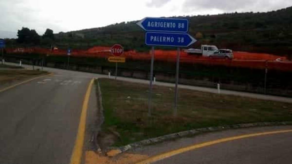 Dossier sulla statale Palermo-Agrigento consegnato dal M5s a Toninelli