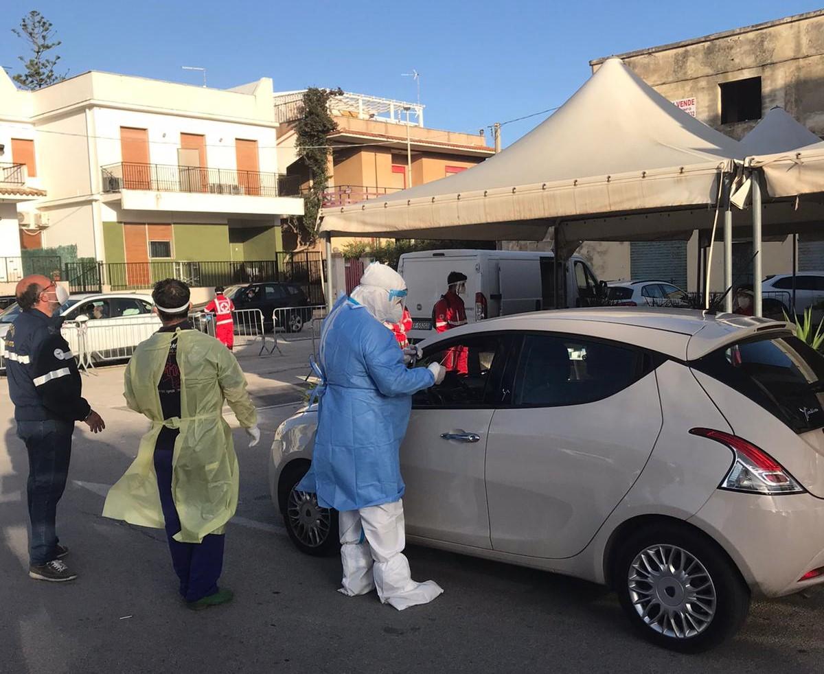 Covid, 949 tamponi a popolazione scolastica a Noto e Carlentini: 2 positivi