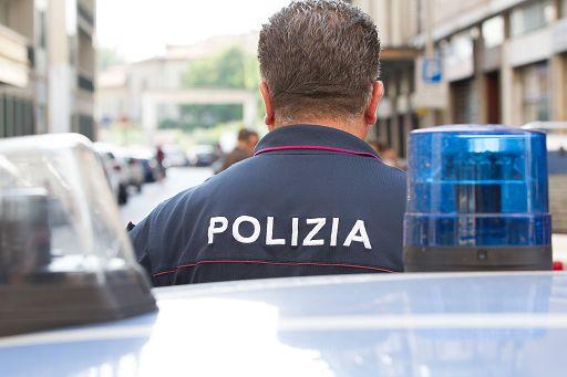 Droga: 23 arresti a Milano, tra loro anche un poliziotto