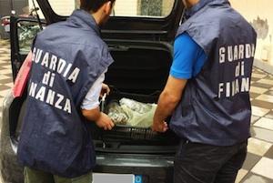 Catania, arrestato al casello di San Gregorio con un chilo di marijuana