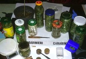 I carabinieri di Floridia arrestano un insospettabile impiegato con mezzo chilo di droga