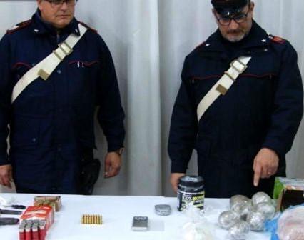 Lavaggista di Agrigento arrestato con armi e 3 chili di marijuana