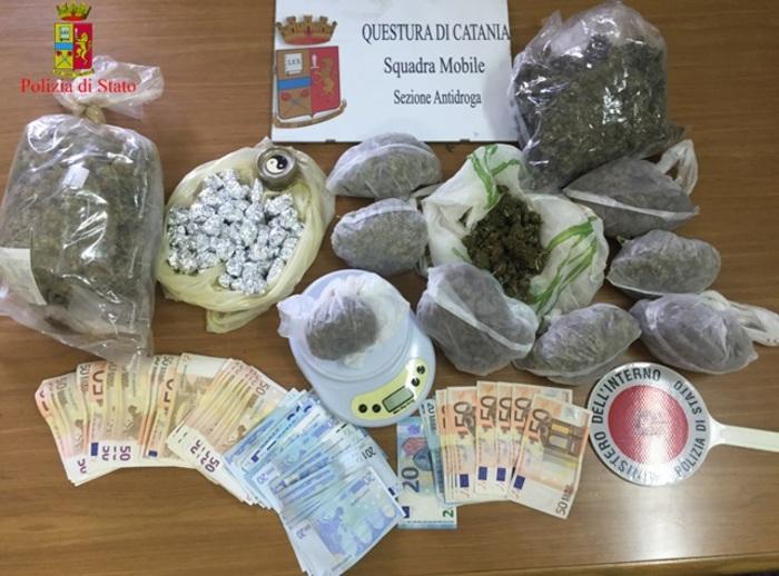 Catania, presi con un chilo e mezzo di marijuana e un un Kalashnikov: due arresti