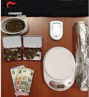 Droga, nascondeva marijuana in casa: arrestato dai carabinieri