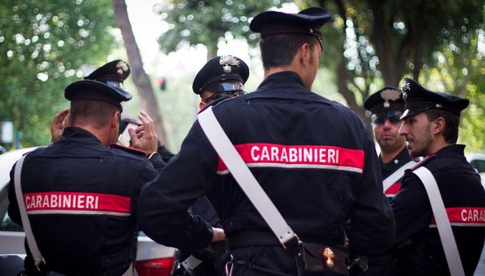 Droga da Varcaturo a Napoli e Caserta: sette persone arrestate