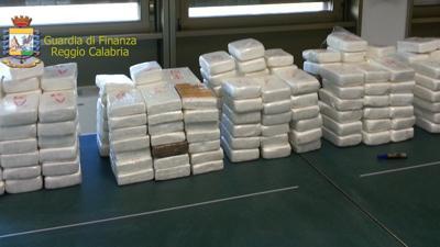 Droga: 55 kg di cocaina sequestrati nel porto di Gioia Tauro