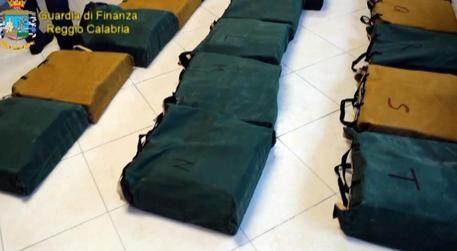 Sequestrati 218 chili di cocaina al porto di Gioia Tauro