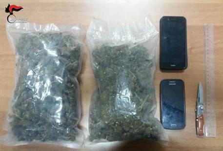 Sorpresi con un chilo di droga, arrestati minori vicino Reggio Calabria
