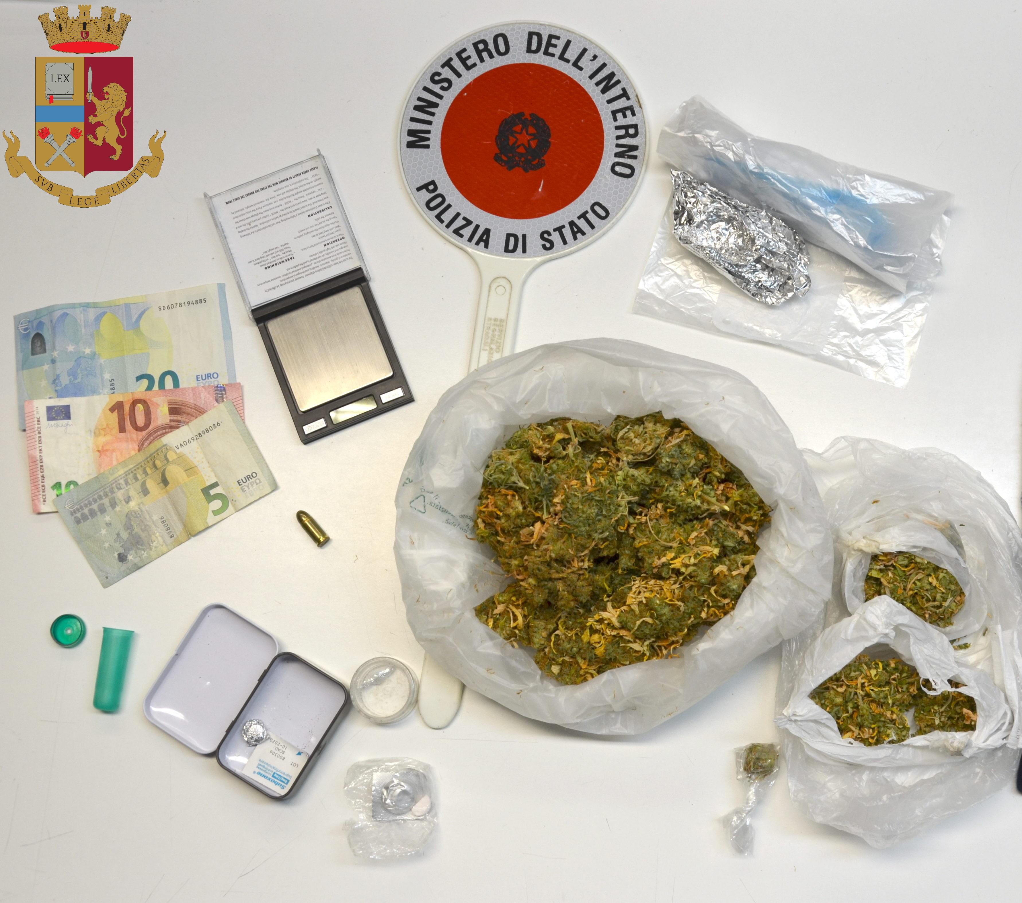 """Modica, gli trovano il """"fumo"""": trentenne finisce agli arresti domiciliari"""