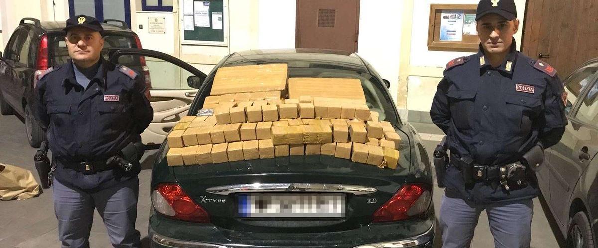 Droga: 100 chili di hashish sulla rotta Napoli-Palermo, tre arresti