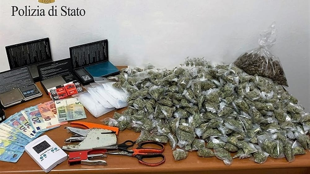 Arrestato a Palermo con più di un chilo di marijuana