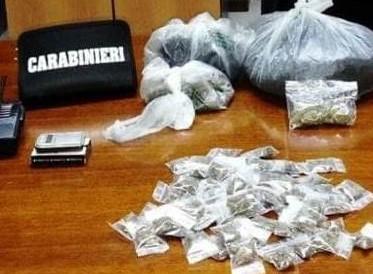 Catania, casalinga con 4 chili di marijuana in casa: arrestata