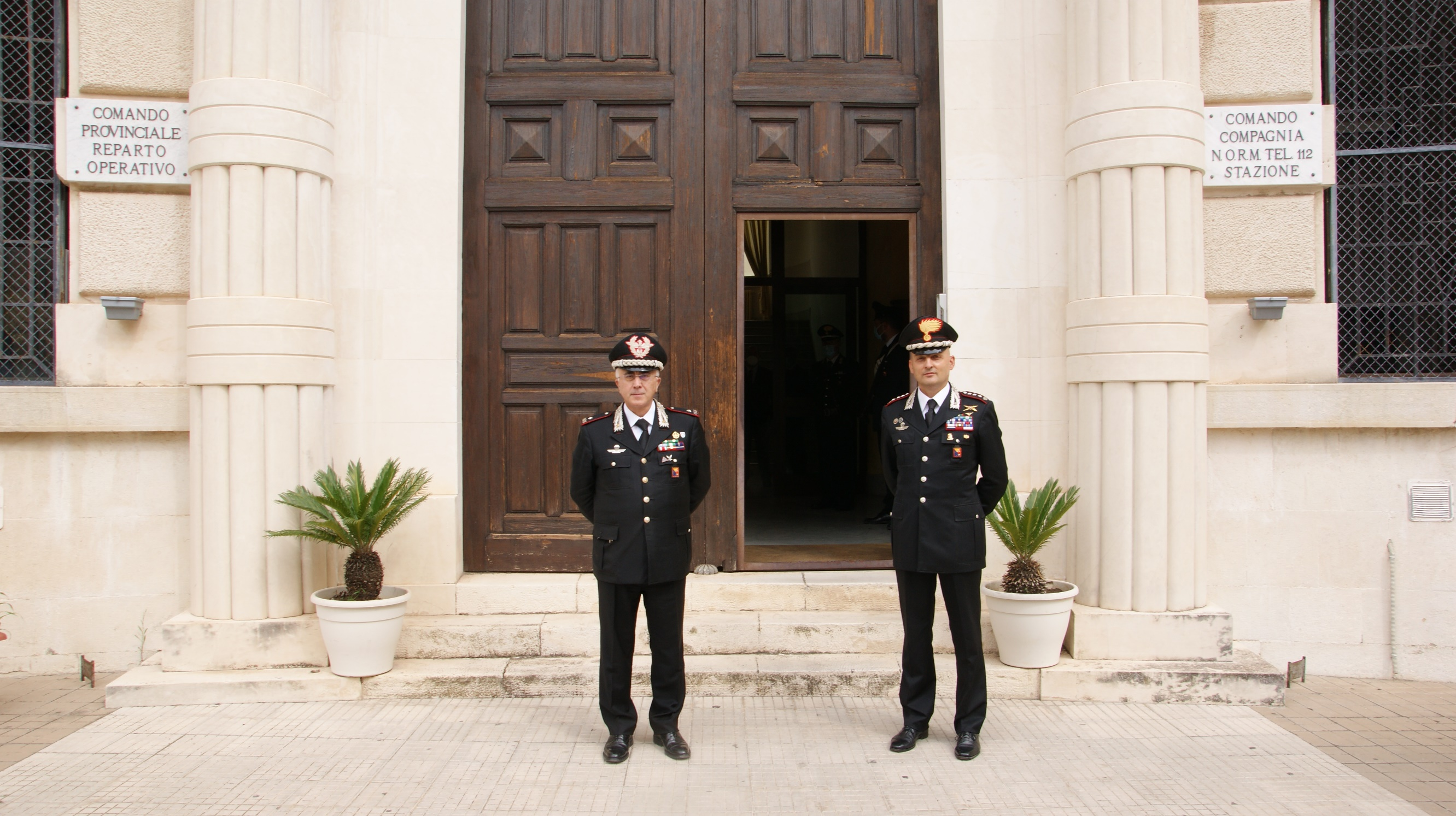 Generale Castello in visita ai carabinieri di Ragusa
