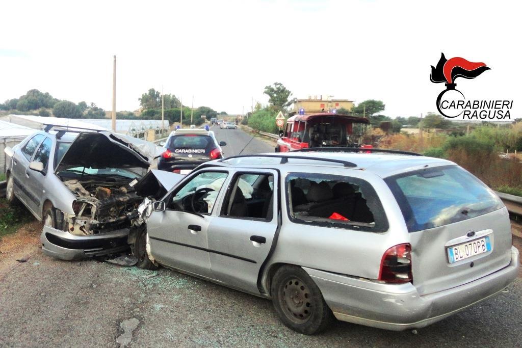 Ragusano, 5 feriti gravi in un incidente stradale lungo la strada comunale 124