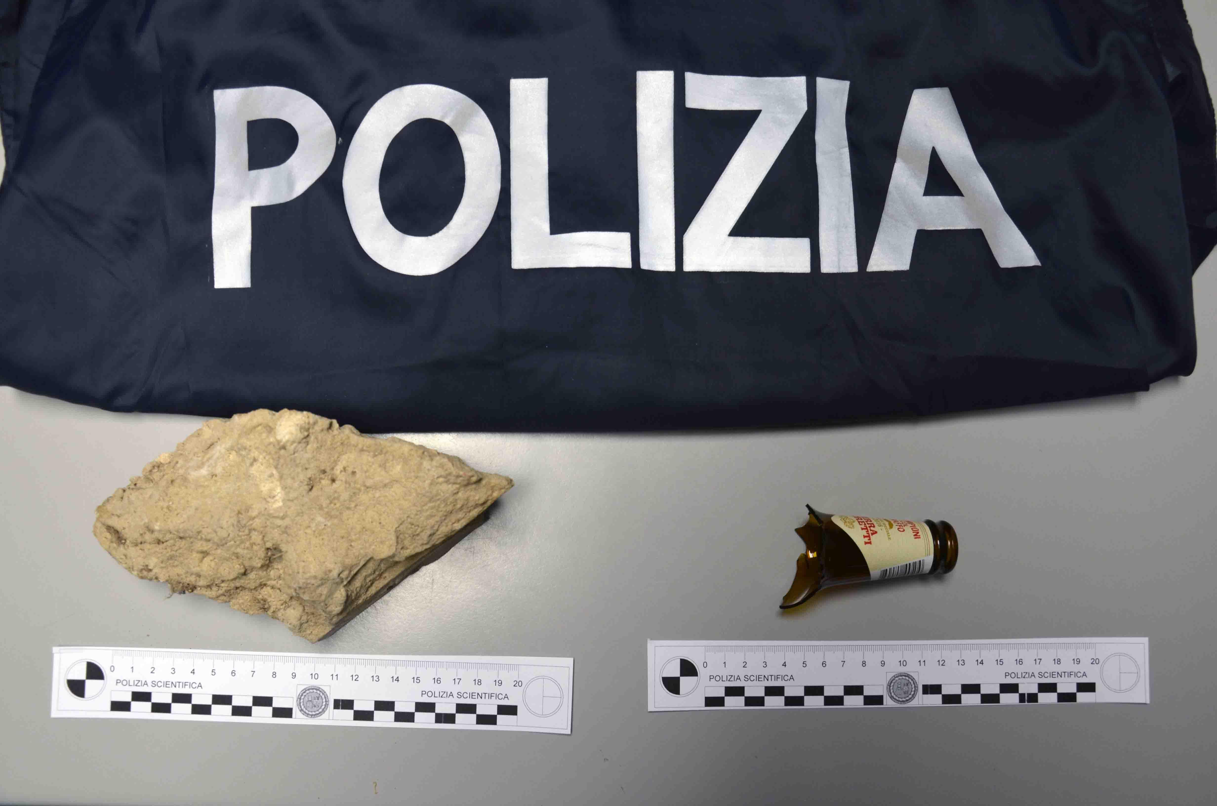 Vittoria, extracomunitari ubriachi aggrediscono poliziotti: un arresto