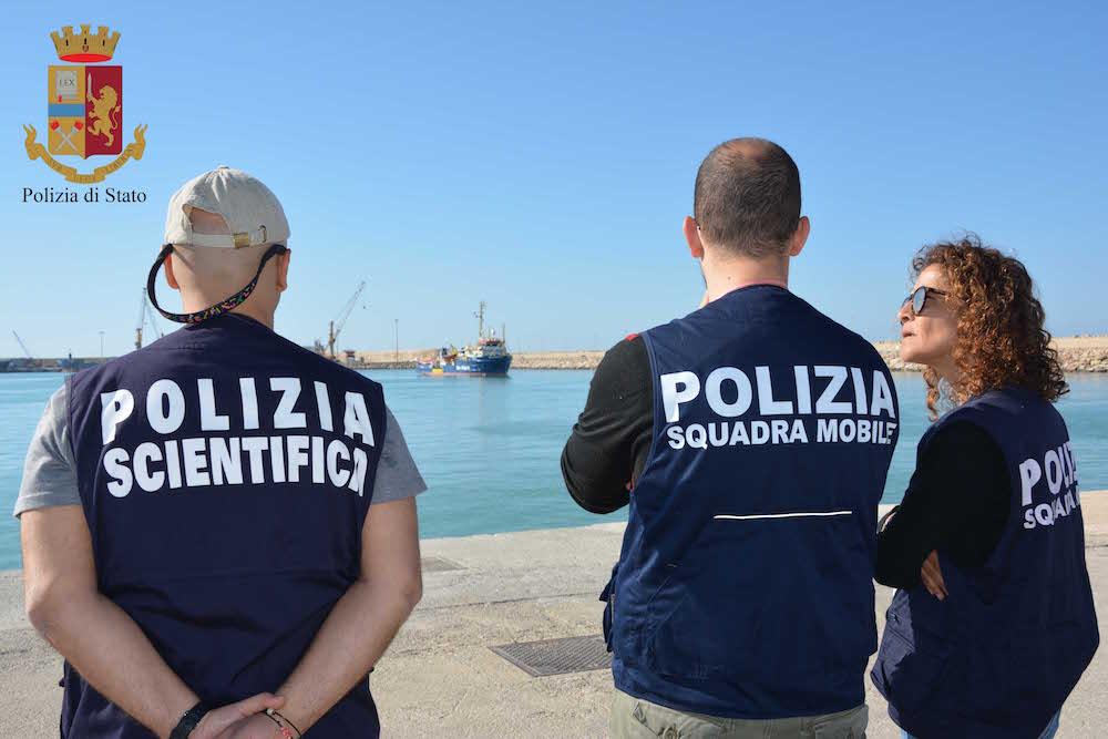 Migranti, la polizia ferma a Pozzallo un presunto scafista
