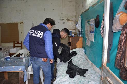 Lavoratori come schiavi a 3 euro l'ora, due arresti e due denunciati a Scicli
