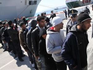 Catania, fermati i 3 presunti scafisti dello sbarco di ieri a Catania