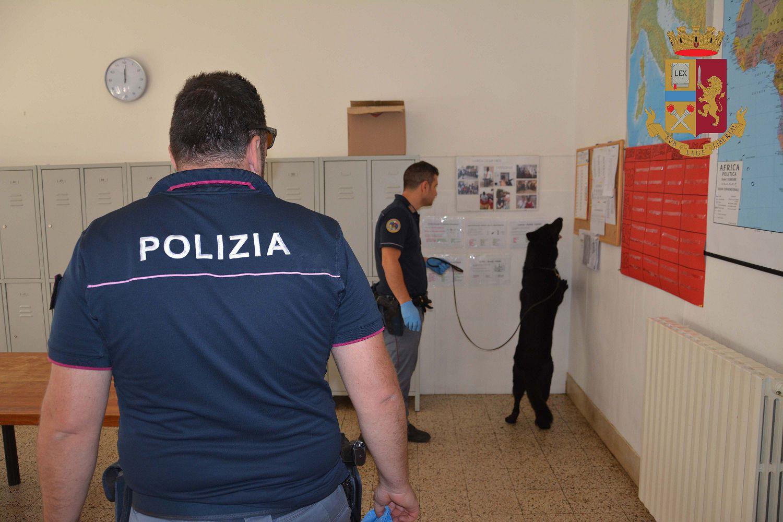 Perquisiti tre Centri per i migranti: due a Ragusa, l'altro a Giarratana