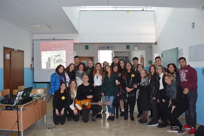"""Ispica, """"Tra il ricordo e la speranza"""": studenti in scena per la Shoah"""