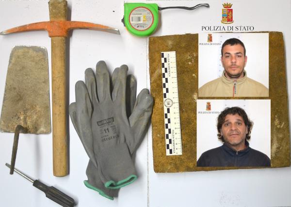 Modica, rubano mattonelle in un caseggiato: due arresti