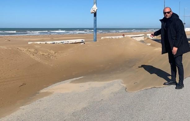 Vittoria, nota del PD: a Scoglitti necessario togliere la sabbia dal Lungomare Riviera Gela