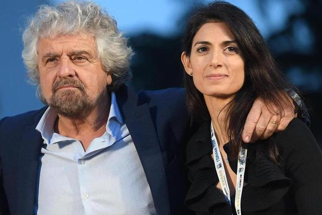 Virginia Raggi si ricandida a sindaca di Roma: pure Grillo la sostiene