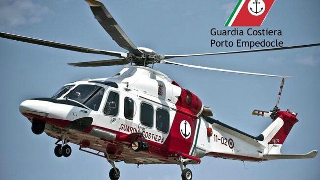 Cade dal peschereccio e si spacca la testa: in ospedale a Caltanissetta