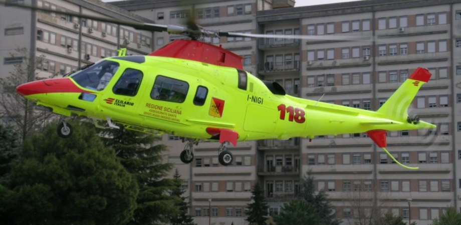 Agira, auto vola dal cavalcavia della A19: morto un ragazzo di 28 anni