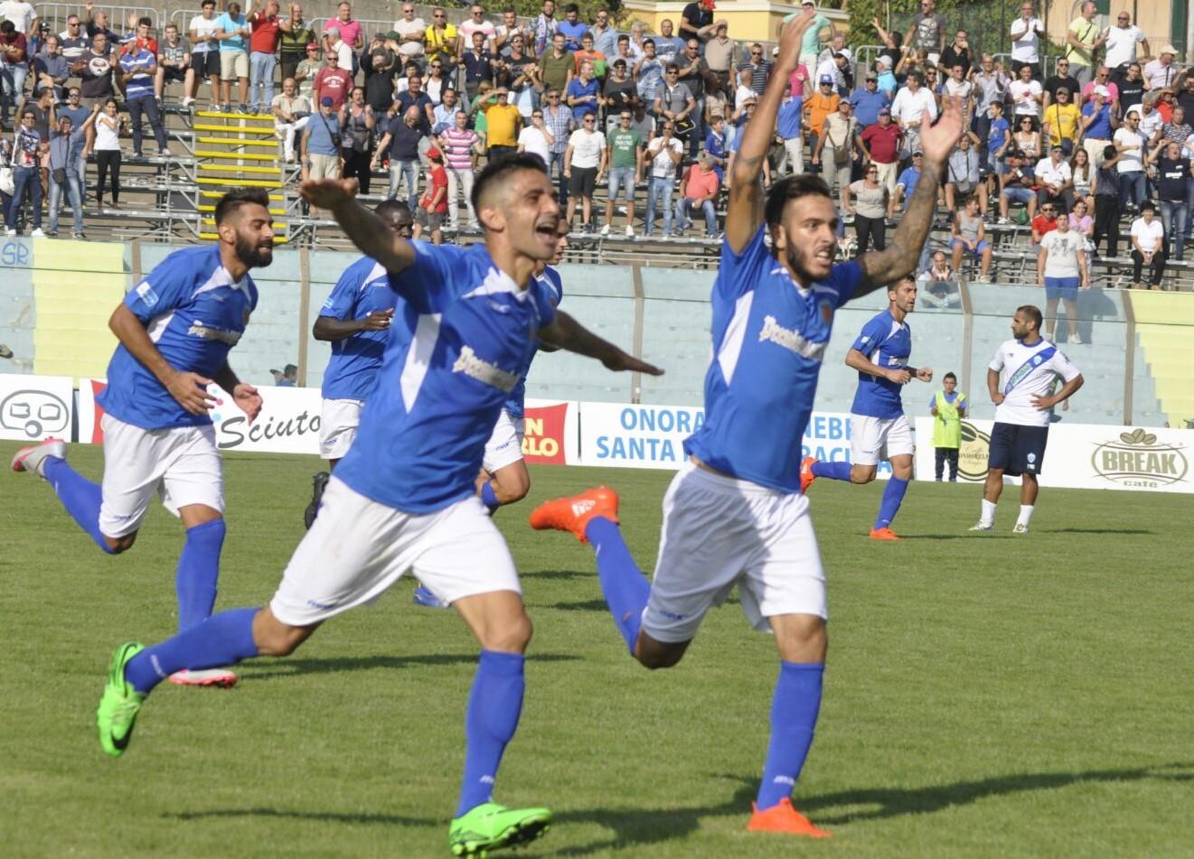 Una doppietta di Catania spiana la strada del primo successo del Siracusa