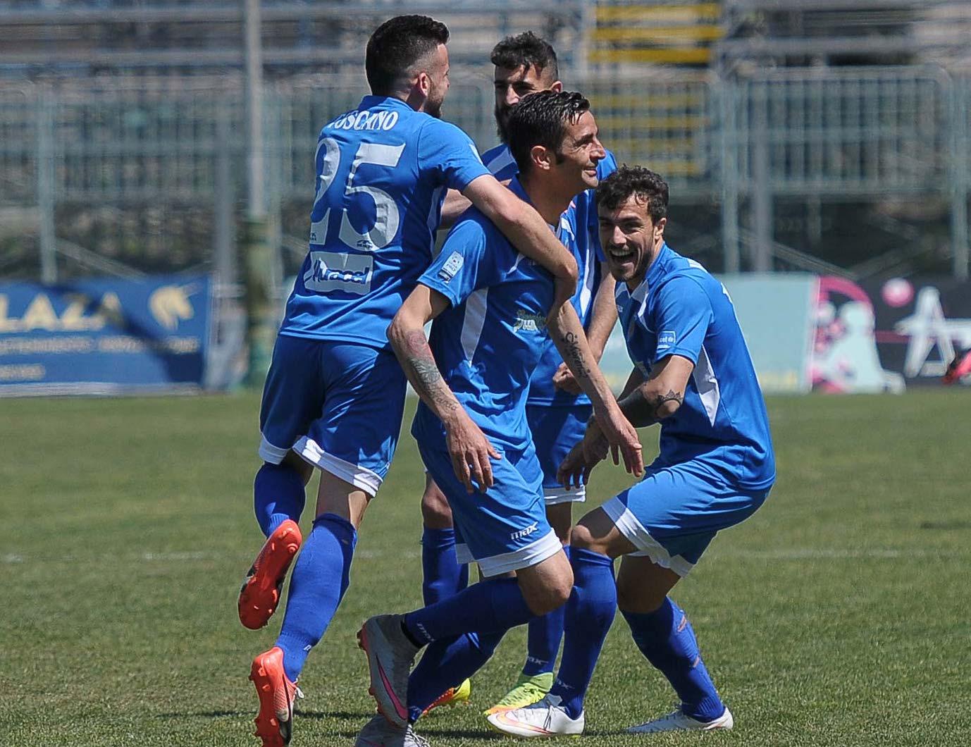 Il Siracusa batte la Paganese con un gol per tempo e consolida il quinto posto RISULTATI E CLASSIFICA