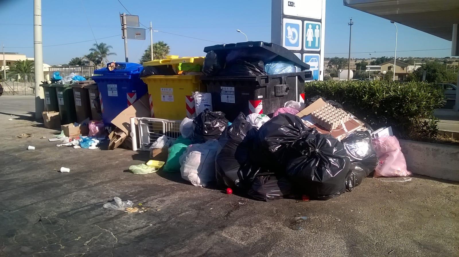 Emergenza rifiuti a Modica, consiglio comunale il 20 agosto