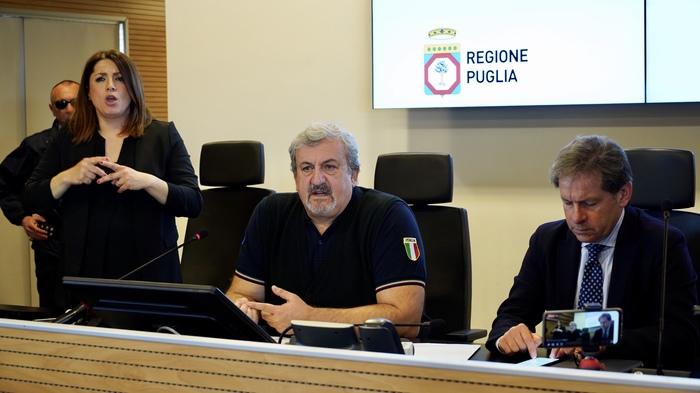 """Bari, Emiliano: """"Quarantena per chi rientra, non portate in Puglia epidemia"""""""