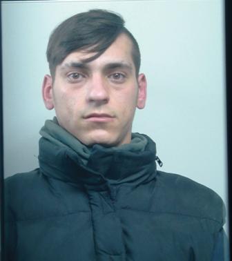 Catania, rubano un ciclomotore ma vengono sorpresi dalla polizia: 4 arresti