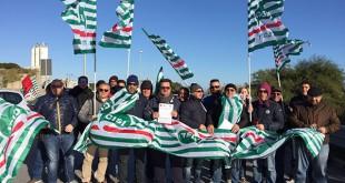 Manutenzione alla Eni Versalis di Priolo, preoccupazione dei sindacati  per 30 lavoratori edili