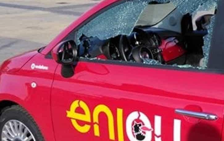 Catania, rubavano specchietti retrovisori: 3 minorenni denunciati