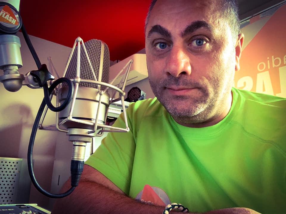 Conduttore radiofonico di Adrano raggiunto da colpi di pistola alle gambe