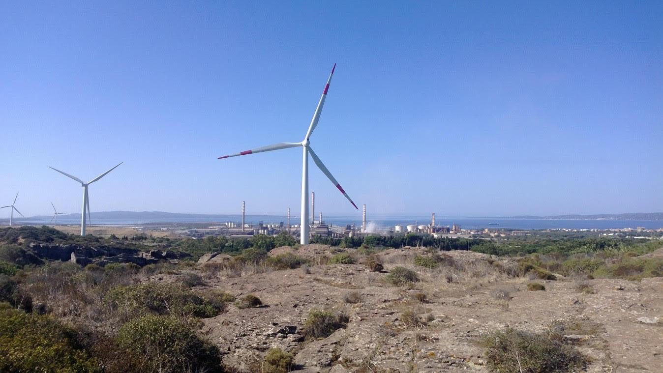 Impianto eolico abusivo sequestrato nel Catanzarese, 4 denunce