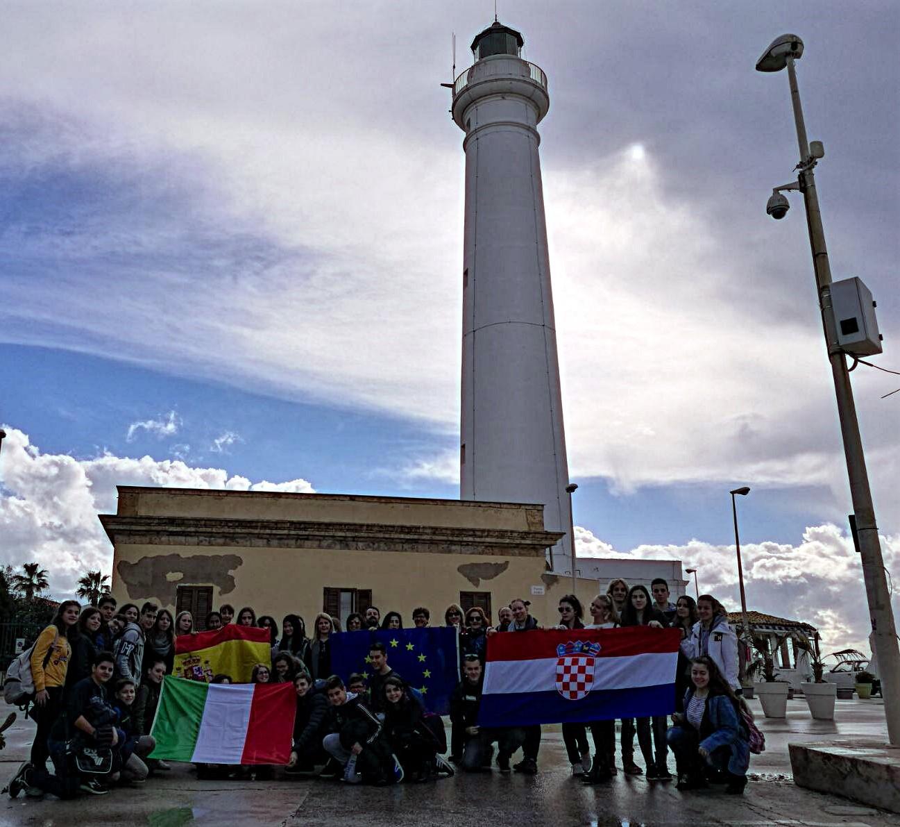"""Vittoria, Erasmus plus: studenti del """"Traina"""" ricevuti a Palazzo Iacono"""