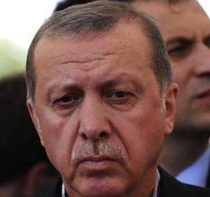 La Turchia è una polveriera, Erdogan: Gulen terrorista come Bin Laden