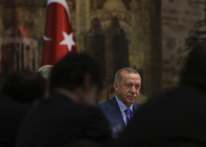 """Erdogan: """"Non dichiareremo mai il cessate il fuoco in Siria"""", ma la Russia tenta di fermarlo"""