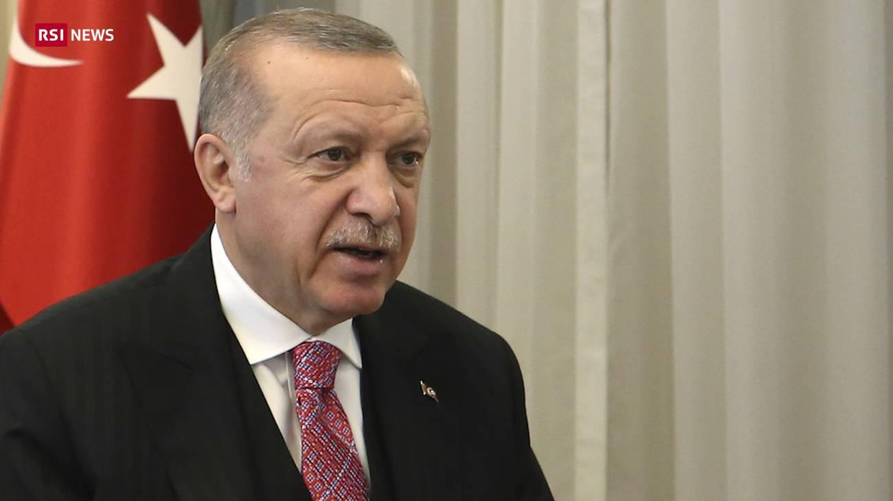 Turchia,  passa la legge anti social media: una vittoria di Erdogan