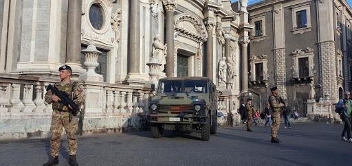 """Il sindaco di Catania: """"Bene per la Sicilia blindata, adesso serve l'Esercito"""""""