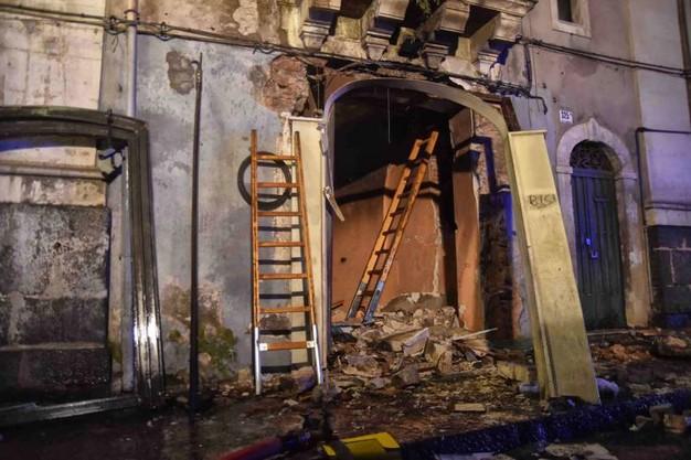 Esplosione Catania, tra le ipotesi anche il suicidio