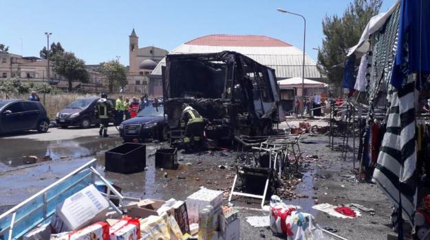 L'esplosione al mercato di Gela, i morti salgono a due