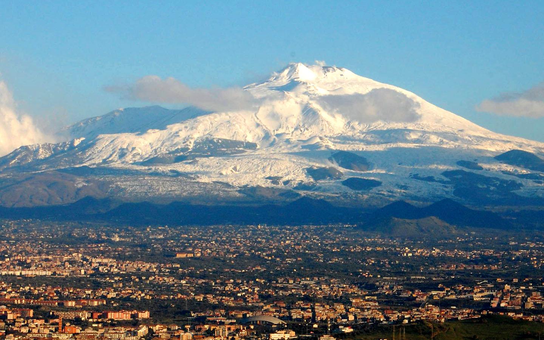 Terremoto sull'Etna, scuole evacuate a Santa Venerina