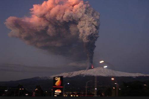 """Etna: """"potenziale disequilibrio"""", scatta stato di allerta gialla"""