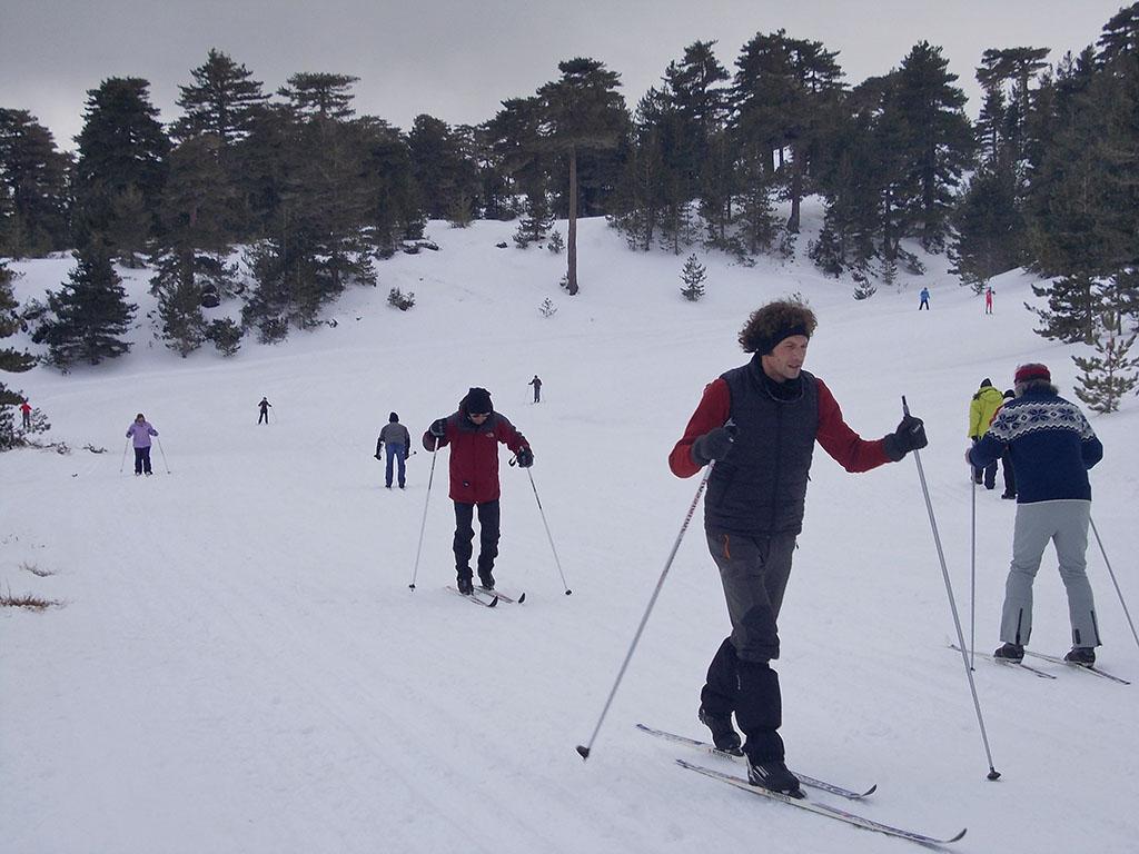 Arriva la neve sull'Etna, aperti gli impianti sciistici sul versante Nord